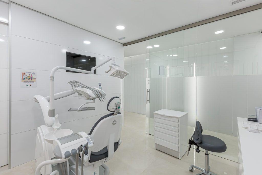 Gabinete médico dental, clínica San Agustín de Guadalix.